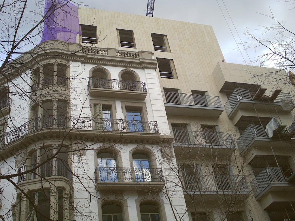 New building on the corner of Rambla Catalunya and Corsega in Barcelona