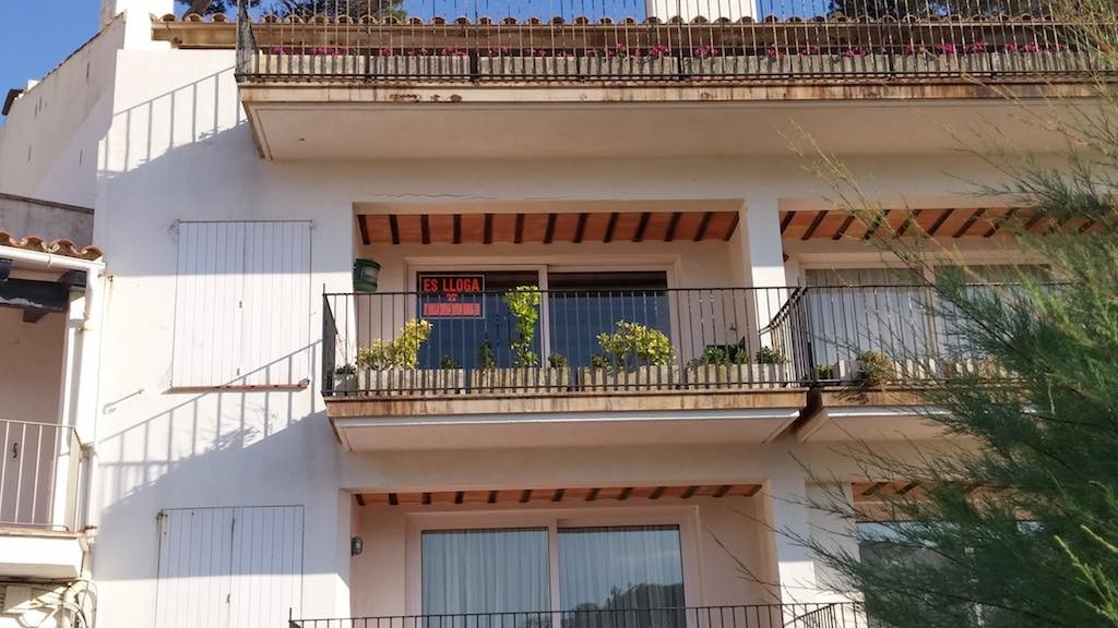 Beach-front holiday rental on the Costa Brava