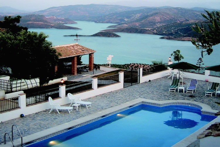 Villa with view of lake Iznajar, Andalusia