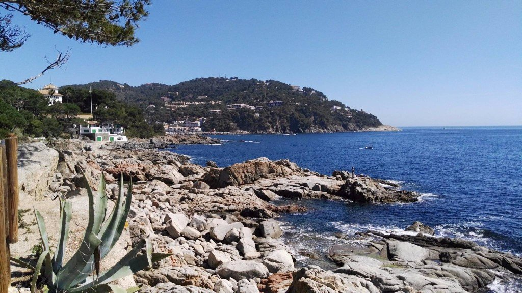 costa brava property for sale and rent