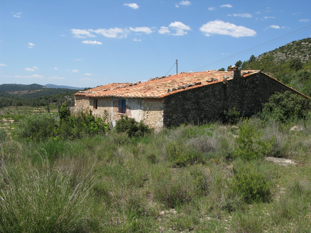The Valencian interior, where there is an inventory of new and resale homes with no demand.
