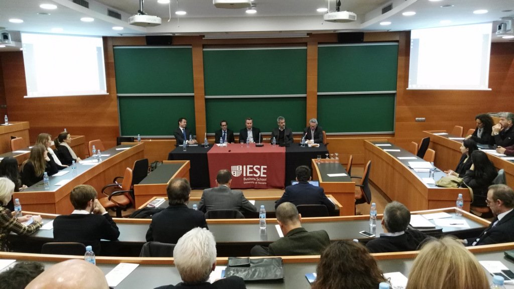 Left to right: Juan Velayos of Neinor Homes, marketing consultant Victor Sagué, Jan Maarten Goedemans of ARC Properties, Carlos Infantes of FHAUS/Grupo Elix, and Prof. José Luis Suárez of IESE