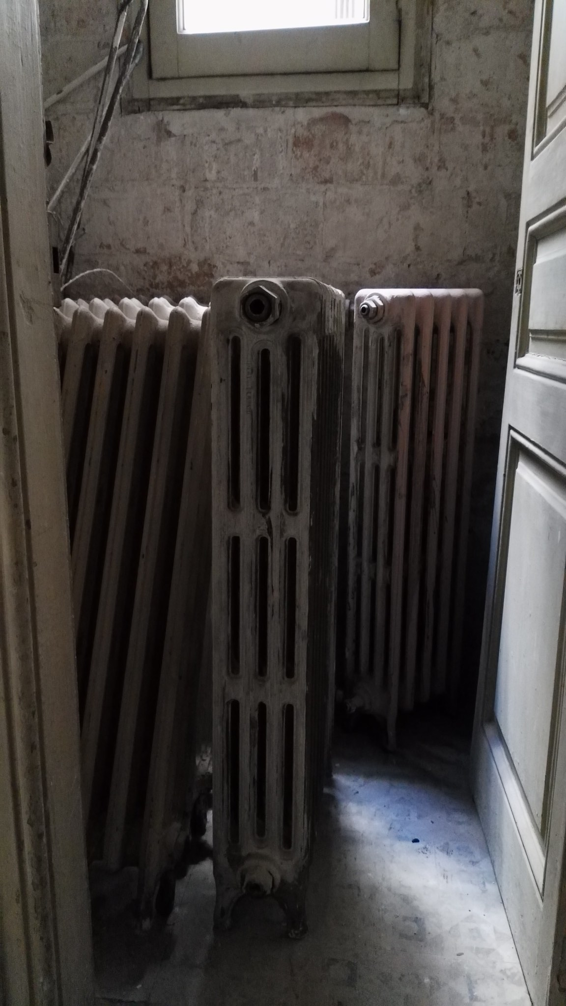 renovating a property in barcelona spain radiators heating