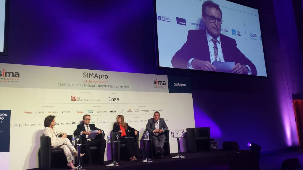 SIMA Pro 2017. Panel discussion Spanish second-home market & Brexit. Left to right Consuelo Villanueva, Mark Stücklin, Ángeles Serna, Marc Pritchard
